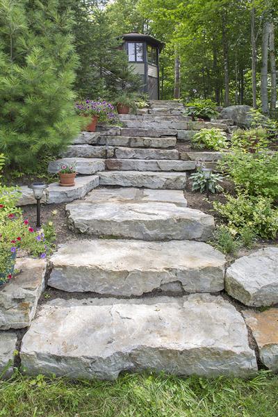 Marches en pierre naturelle le sp cialiste c 39 est for Pierre pour marche escalier exterieur