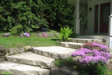Escalier en pierres naturelles