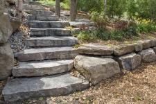 Marche en pierres naturelles