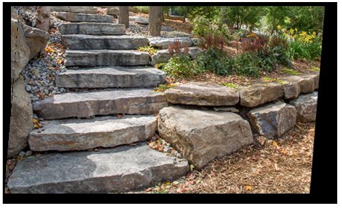 marche et muret en pierre